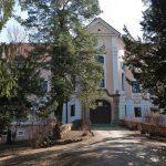 http://www.jatrgovac.com/usdocs/bolnica-gornja-bistra.jpg