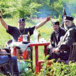 http://images3.kurir.rs/slika-900x608/ravna-gora-vuk-draskovic-draza-mihajlovic-cetnici-1368307499-308771.jpg