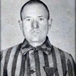 https://upload.wikimedia.org/wikipedia/commons/thumb/2/24/Franciszek_Gajowniczek_(Auschwitz_5659).jpg/220px-Franciszek_Gajowniczek_(Auschwitz_5659).jpg