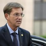 http://img.welt.de/img/ausland/crop147854979/4622326578-ci3x2s-w380/Slovenia-s-Prime-minister-Miro-Cerar-arr.jpg