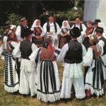 http://www.hazud.ch/wp-content/uploads/2015/07/Slavonsko-kolo.jpg