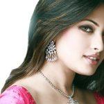http://2.bp.blogspot.com/-HH0_OSKthns/UaQXE9l-wnI/AAAAAAAAAe4/I-6pUU2FJw4/s1600/Indian+women+short+red+hair+color.jpg
