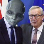 https://1.bp.blogspot.com/-03qXtJoWbhs/V8F37cdydtI/AAAAAAAAQdE/o8W-XbgJE-0dEmALnzKSgV3u4GSUwkVcwCLcB/s640/Jean-Claude-Juncker-Frontie%25CC%2580res-Pire-Invention-Politique-Pe%25CC%2580te-Ca%25CC%2582ble-e1472129548404.jpg