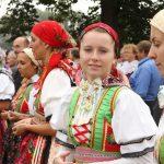 http://g.denik.cz/68/e3/6027644-breclav-jevisovka-chorvati-hody-kiritof-kozel-kroj_galerie-980.jpg