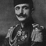 https://upload.wikimedia.org/wikipedia/commons/thumb/3/32/Ismail_Enver.jpg/220px-Ismail_Enver.jpg