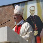 http://www.svetiste-mbb.hr/Cms_Data/Contents/SvetisteMBB/Folders/slike/biskupi/~contents/GEF2JVZYCHFCPE54/mons-dr-Ivan-a-ko.jpg