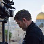 https://israelreturns.com/wp-content/uploads/2014/10/steven-bowed-1024x682.jpg