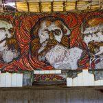 https://2.bp.blogspot.com/-ui2bWf69jCQ/UpkrsSA3wlI/AAAAAAACqhI/b2uLHVbNAxQ/s1600/Buzludzha_Abandoned_Communist_HQ_Bulgaria-0167.jpg
