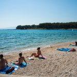 https://adriacamps.com/wp-content/uploads/2015/12/Camping-Pila-pebble-beach-1.jpg