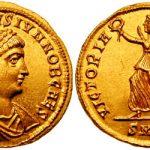 https://upload.wikimedia.org/wikipedia/commons/6/69/Solidus_Constantine_II-heraclea_RIC_vII_101.jpg