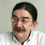 http://www.politika.rs/thumbs/upload/User/Image/2015_11//672x672_Slobodan-Kljakic%2C-novinar-Politike.png
