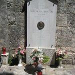 https://upload.wikimedia.org/wikipedia/commons/thumb/d/df/Grave_of_Miroslav_Bulesic.JPG/250px-Grave_of_Miroslav_Bulesic.JPG