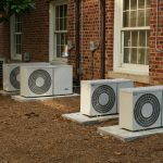 https://upload.wikimedia.org/wikipedia/commons/e/e1/2008-07-11_Air_conditioners_at_UNC-CH.jpg