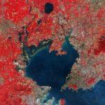 https://upload.wikimedia.org/wikipedia/commons/c/c8/Qingdao%2C_China_ESA349719.jpg
