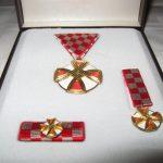 https://www.njuskalo.hr/image-w920x690/militarija/odlikovanje-red-hrvatskog-pletera-slika-78420521.jpg