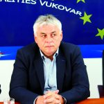 http://www.vukovar.mfa.gov.rs/odrzavanje/uploads/M.%C5%A0API%C4%86_POSETA_ZVO_I.jpg
