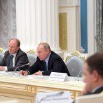 http://static.kremlin.ru/media/events/photos/big/9qLoJawKWvHInWMADVAkIa8QRFSo8Ah9.jpg