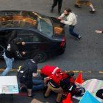https://i1.wp.com/l-frii.com/wp-content/uploads/2020/06/Un-homme-arm%C3%A9-fonce-en-voiture-sur-une-foule-de-manifestants-%C3%A0-Seattle-et-ouvre-le-feu-vid%C3%A9o-758x449.jpg